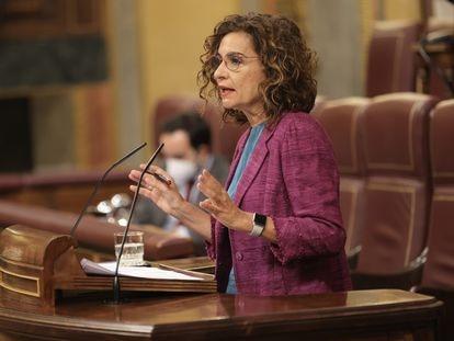 La ministra de Hacienda y Función Pública, María Jesús Montero, durante una intervención en el Congreso.