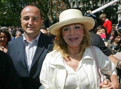 Carmen Thyssen y Miguel Sebastián, ayer en la manifestación convocada por la Plataforma SOS Paseo del Prado.