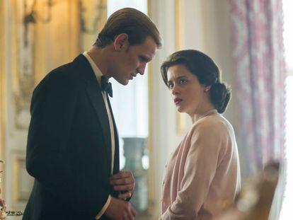 Matt Smith y Claire Foy, en 'The Crown'.
