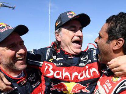 El madrileño, de 57 años, se supera a sí mismo como el vencedor más veterano y logra su tercer triunfo con un tercer coche diferente