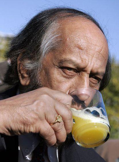 El nobel indio Rajendra Pachauri cree que Occidente cambiará sus valores.