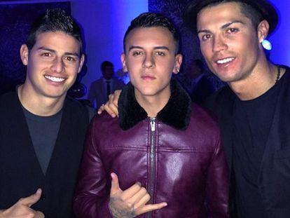 James, Kevin Roldán y Ronaldo, en la fiesta de cumpleaños del jugador portugués.