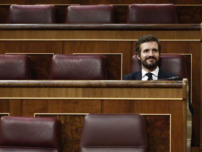 El presidente del PP, Pablo Casado, este miércoles durante el pleno del Congreso de los Diputados. EFE/MARISCAL POOL