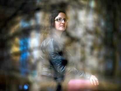 La filósofa y diseñadora de videojuegos Eurídice Cabañes, en una entrevista en Valencia, en marzo de 2018.