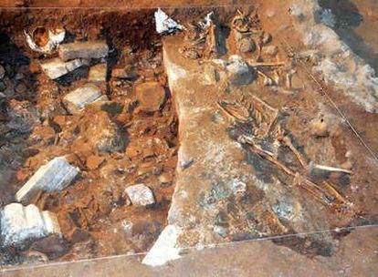 Vista de algunos de los hallazgos encontrados, como el ábside románico de la antigua iglesia del Siglo XI del Monasterio de Yuso de San Millán de la Cogolla, que data del Siglo XVI
