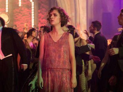 Liv Lisa Fries, en una escena de la tercera temporada de 'Babylon Berlin'