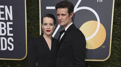 Claire Foy y Matt Smith, en los Globos de Oro de 2018.