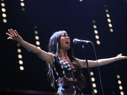 Aitana, en el festival LOS40 Primavera Pop, este viernes, en el Palacio Vistalegre de Madrid.