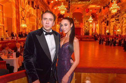 Nicolas Cage y Erika Koike.