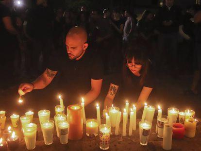 Vigilia por el asesinato de los tres estudiantes de cine en Guadalajara.