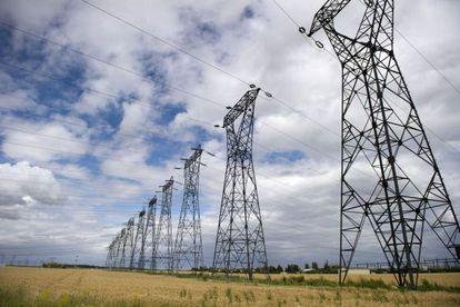 Unas torres de alta tensión.