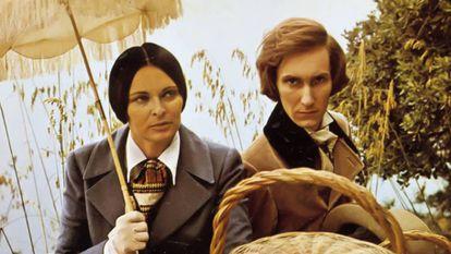 Fograma de la película 'Un invierno en Mallorca' (1969). Lucía Bosé interpreta a George San y Christopher Sandford a Chopin.