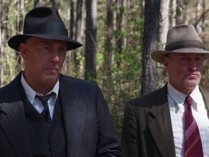 Kevin Costner y Woody Harrelson, en 'Emboscada final'.