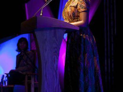 Chimamanda Ngozi Adichie, en el Hay Festival de 2012 en Hay-on-Wye.