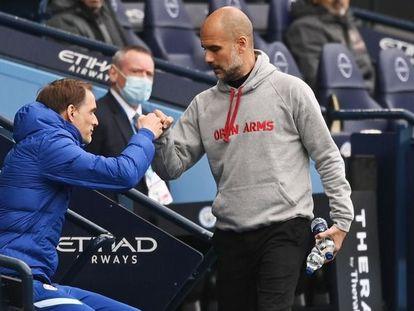 Tuchel saluda a Guardiola en el Etihad.