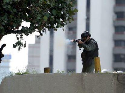 La ONG sostiene que en algunos casos han abierto fuego o han disparado gases lacrimógenos a quemarropa
