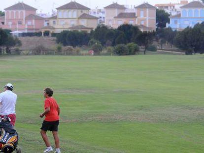 Usuarios del campo de golf de Matalascañas.