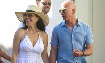 Lauren Sanchez y Jeff Bezos, el pasado verano.