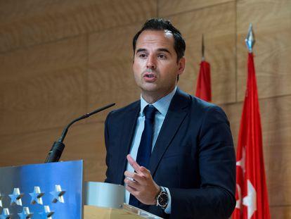 El vicepresidente de la Comunidad de Madrid, Ignacio Aguado, da una rueda de prensa tras la reunión del Consejo de Gobierno, este miércoles en Madrid.