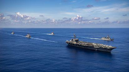 Las maniobras de Estados Unidos y sus aliados para reforzar las rutas marítimas desafiadas por China están alimentando crecientes tensiones en la región.