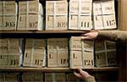 Algunos de los más de 76.000 legajos con expedientes militares depositados en el Archivo General Militar, en el Alcázar de Segovia.