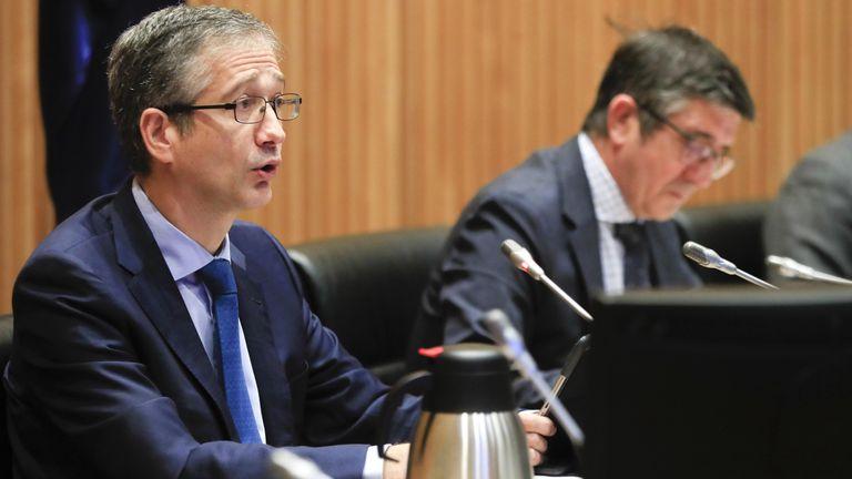 El gobernador del Banco de España, Pablo Hernández de Cos, comparece en la Comisión de Reconstrucción Social y Económica.