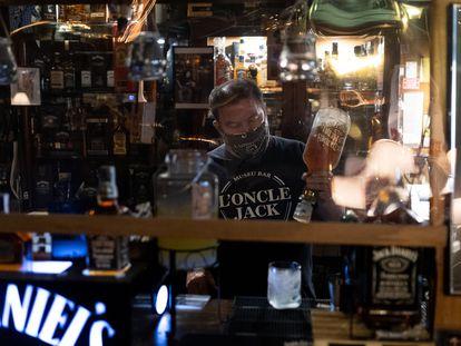 Jaume, propietario del bar L'Oncle Jack de L'Hospitalet de Llobregat.