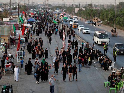 Peregrinos chiíes de camino a Kerbala, el pasado lunes.