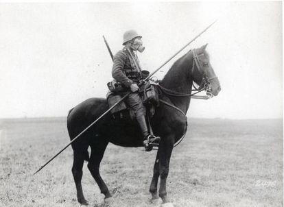 Soldado de la caballería alemana en Saint Quentin y Laon (Francia), durante la Primera Guerra Mundial.
