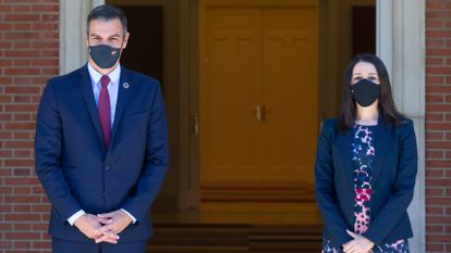 La líder de Ciudadanos, Inés Arrimadas, llega a la reunión con el presidente del Gobierno, Pedro Sánchez, en la Moncloa el pasado 2 de septiembre.