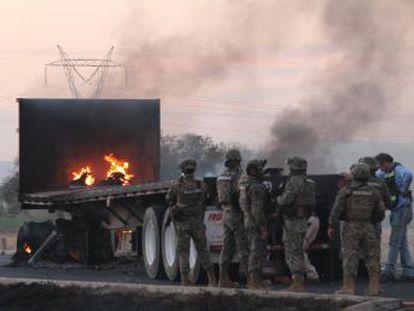 El Gobierno mexicano emprende una búsqueda a contrarreloj contra el líder del cartel Santa Rosa de Lima (en Guanajuato) dedicado al tráfico de gasolina o huachicol