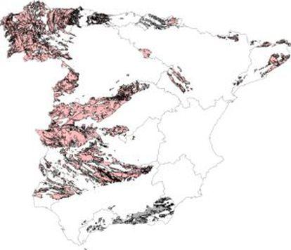 En rosa, las zonas donde un 10% de los edificios presentan valores de radón por encima de los recomendados. En gris, áreas sin valorar.