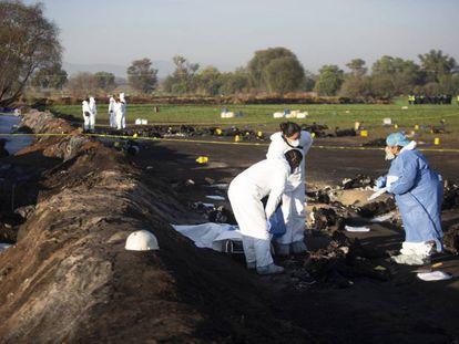 La explosión de una toma de gasolina en México, en imágenes