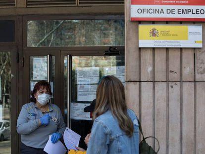 Una oficina de empleo en el barrio de Canillas, en Madrid.