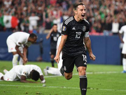 Andrés Guardado celebra tras marcar en el partido entre las selecciones de México y Canadá en la Gold Cup 2019.