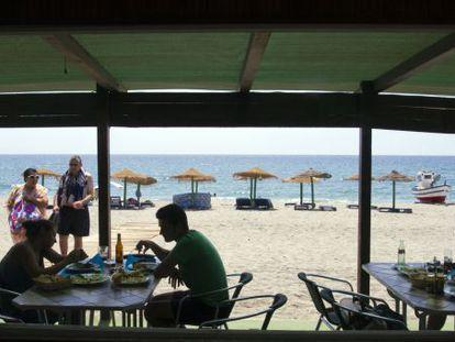 Un chiringuito en una playa del Mediterráneo