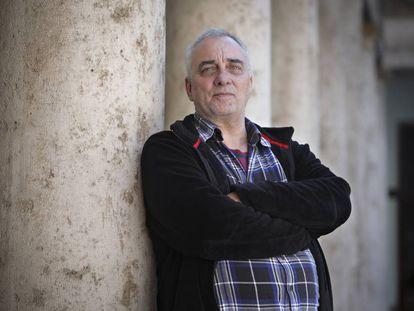 Enrique R. Martínez, profesor interino que se ha quedado sin plaza al no estar capacitado en valenciano.