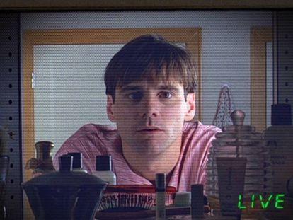 Jim Carrey en 'El show de Truman', la película en la que la vida de un hombre era grabada las 24 horas y convertida en un espectáculo sin su conocimiento.