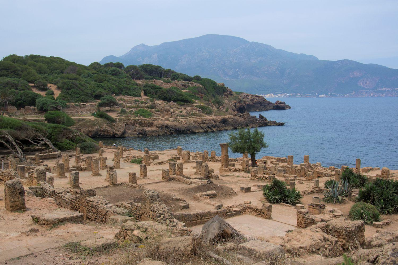 Ruinas de la ciudad púnico-romana de Tipasa, Argelia, cuya excavación apoya la Fundación Palarq.