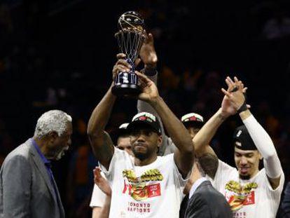 El alero recupera el cetro de 2014 tras un año en blanco por una misteriosa lesión en los Spurs y sin aclarar si seguirá en Toronto   Es el primero que logra coronarse como el mejor jugador de las finales en las dos Conferencias