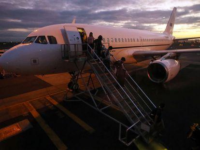 Pasajeros de un vuelo a Australia.