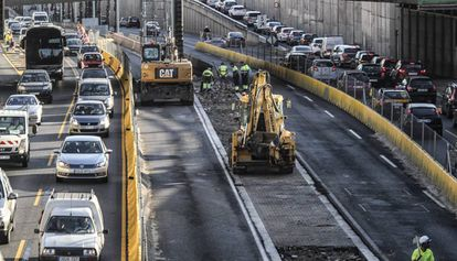 Tráfico intenso en la Ronda de Dalt.