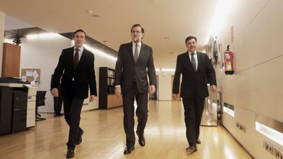 Mariano Rajoy con la dirección del Grupo Parlamentario del PP.