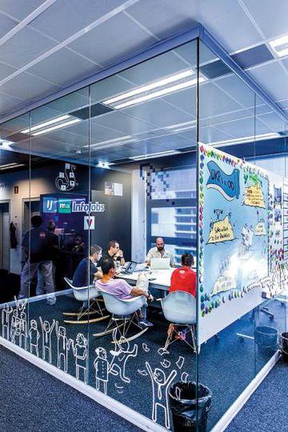 En la sede de Schibsted, que en unos meses se trasladará al Distrito 22@ de Barcelona, trabajan 400 personas.