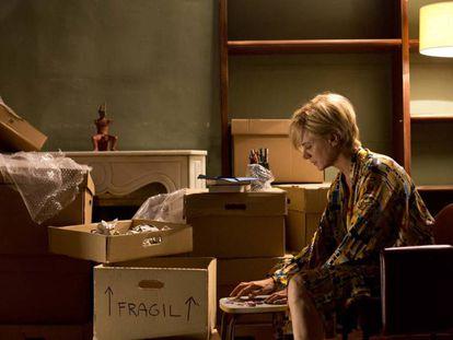 Emma Suárez, en una escena de 'Julieta', de Pedro Almodóvar.