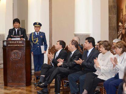 Evo Morales en el acto de juramento de los 21 ministros.