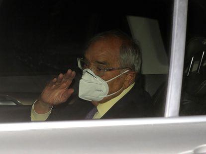 El exministro del Interior Rodolfo Martín Villa a su salida el pasado jueves de la Embajada Argentina en Madrid, tras declarar ante la jueza argentina María Servini.