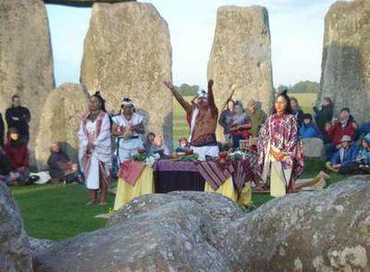 Ritual maya en Stonehenge