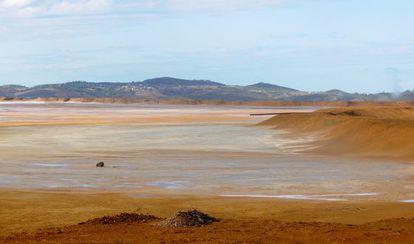 Balsa de residuos mineros del municipio onubense de Riotinto.