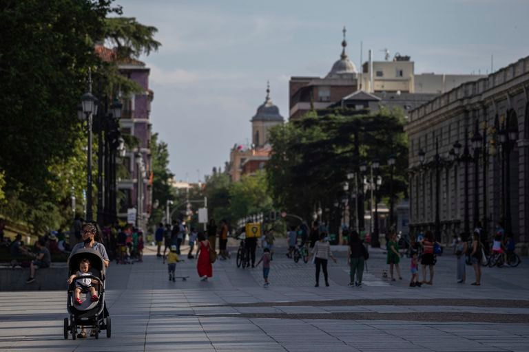Aspecto de las inmediaciones del Palacio Real de Madrid, el domingo 24 de mayo.
